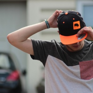 Snapback Schwarz Neon Orange